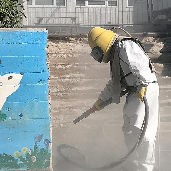 Sandstrahlen-Graffiti-Entfernung